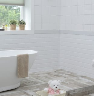 Keeping Your Tiles and Grout Clean for This Christmas Period
